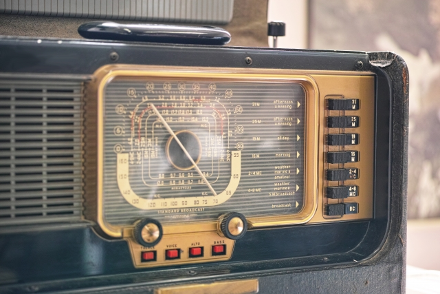 ビンテージ真空管ラジオ