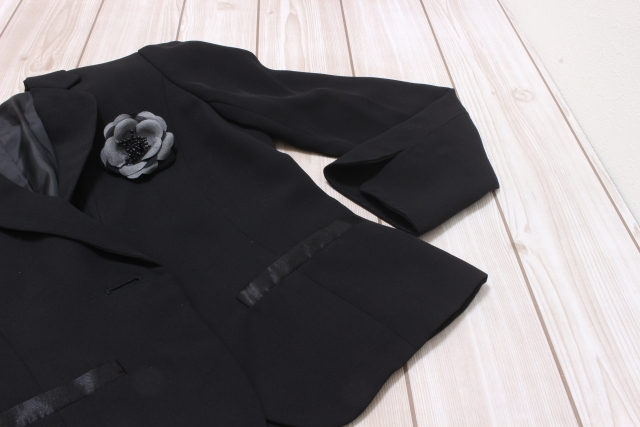 黒いジャケット